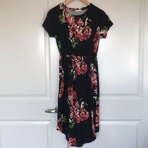 Reborn J Short-Sleeved Floral Midi Dress